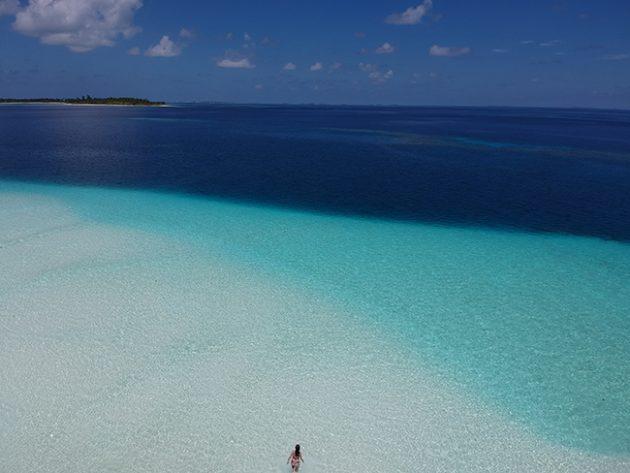 banco de areia maldivas six senses laamu