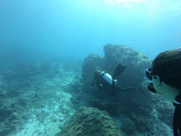mergulho de cilindro six senses laamu maldivas