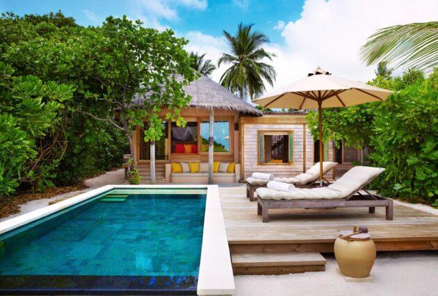 beach bangalo six senses laamu maldivas